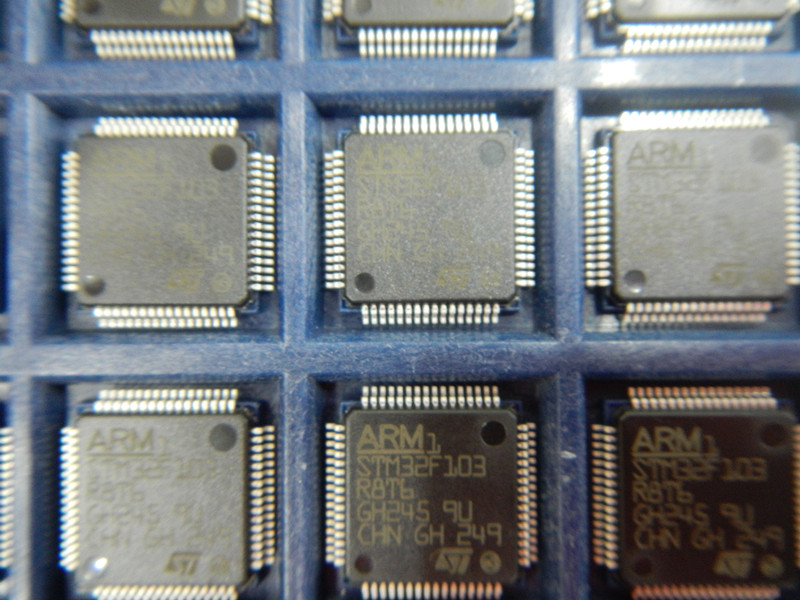 型号:STM32F103R8T6 品牌:ST 年份:13+ 封装:LFQP64 包装方式:盘装 类别:进口原装100%现货 联系人:柯R 联系QQ:1554156951,573620119 深圳市粤兴勝电子有限公司,是一家专业的电子元器件供应商,与配套方案提供商。公司长期专业经销美国、日本、台湾、德国等著名半导体厂商的高科技电子元器件,积累了多年IC产品销售经验,拥有广泛的海内外供货渠道。公司目前所代理和销售品牌有INFINEON,SIPEX,,REALTEK,TI/BB.