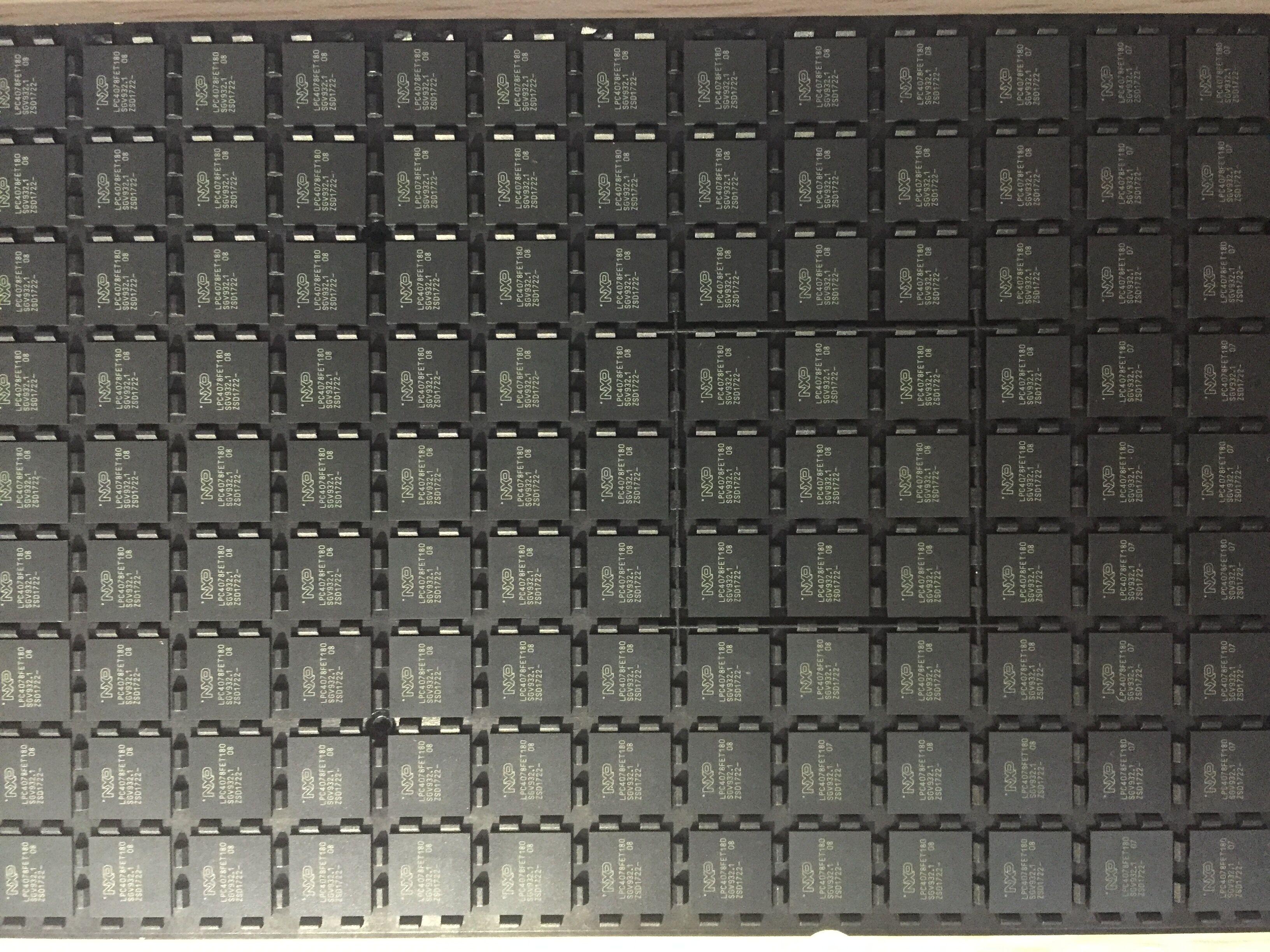 LPC4078FET180