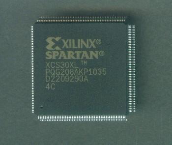 XCS30XL-4PQG208C
